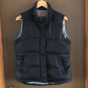 Black down-filled puffer vest size M